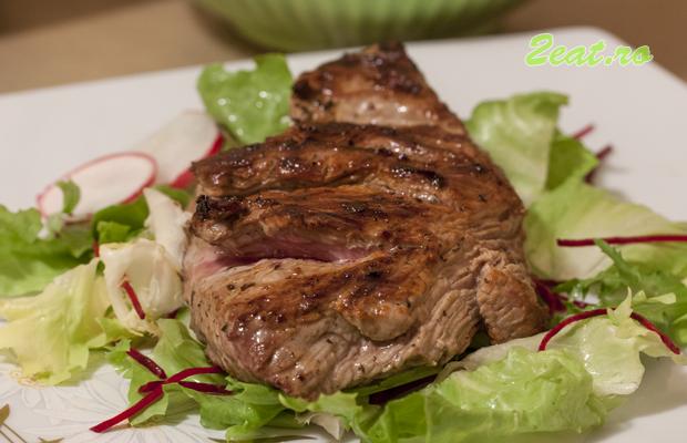 Reteta Simpla Steak Vita pe Gratar